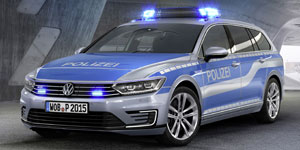 VW-Passat-GTE-Police
