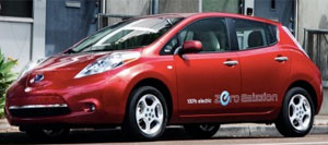 Nissan-Leaf-red