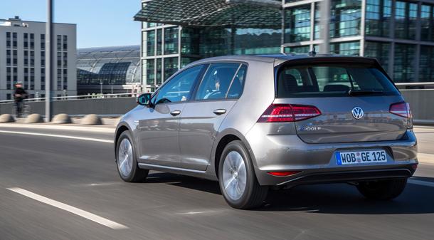 Volkswagen-eGolf-610hinten