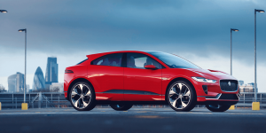 jaguar-i-pace-crossover-elektroauto-300x150