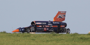 bloodhound-car