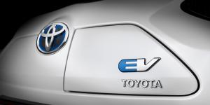toyota-iq-ev-concept-car-2012-01