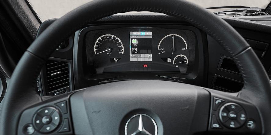 daimler-mercedes-benz-eactros-e-lkw-electric-truck-2018-07