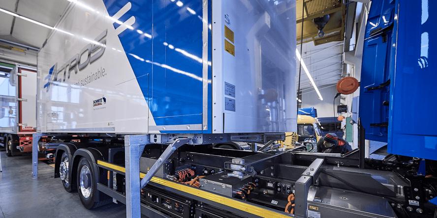 daimler-mercedes-benz-eactros-e-lkw-electric-truck-2018-09