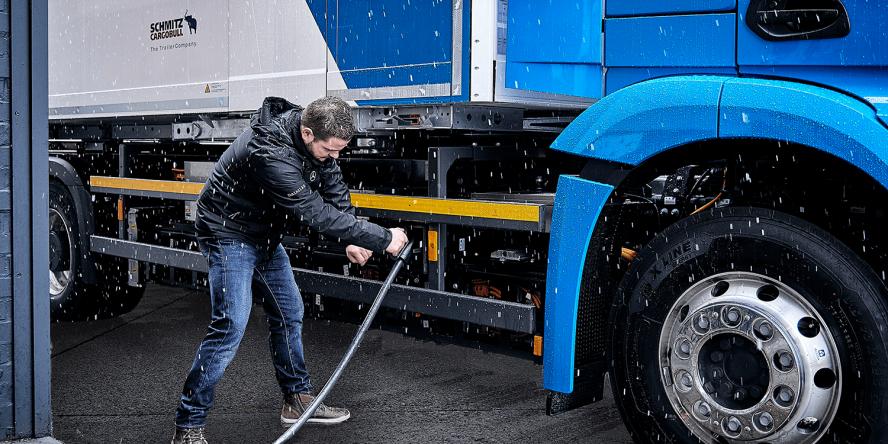 daimler-mercedes-benz-eactros-e-lkw-electric-truck-2018-13