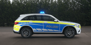 mercedes-benz-glc-350-e-4matic-polizei-police