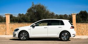 volkswagen-e-golf-2017-elektroauto-02-electric-car
