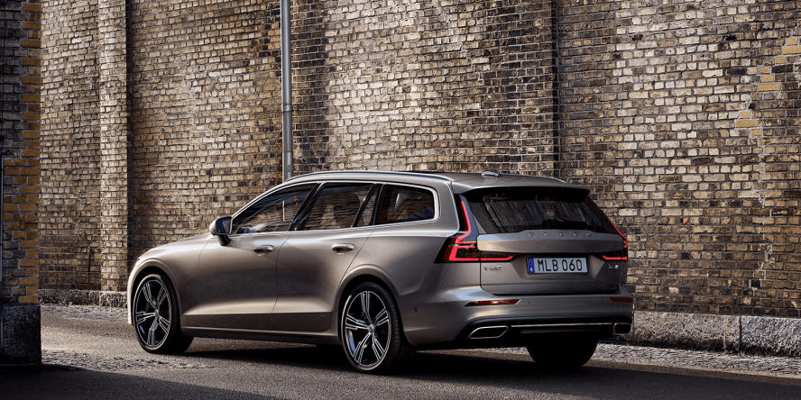 new volvo v60 to be released in two plug in hybrid versions. Black Bedroom Furniture Sets. Home Design Ideas