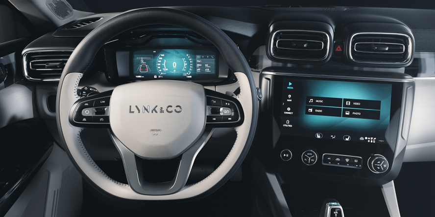 lynk-and-co-02-03