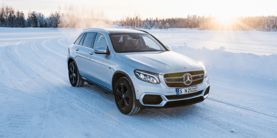 mercedes benz eqc and glc f cell undergo winter tests. Black Bedroom Furniture Sets. Home Design Ideas