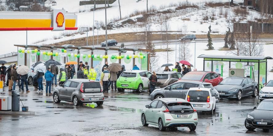 fortum-hpc-ladestation-charging-station-norwegen-norway-eroeffnung-april-2018-04-shell