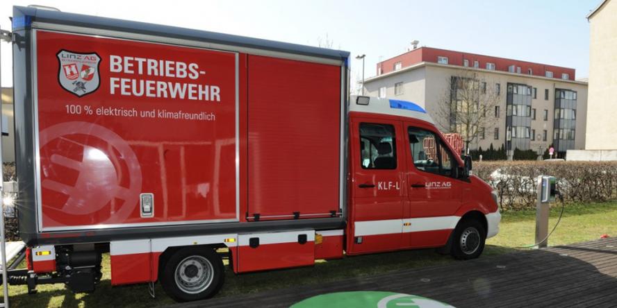 kreisel-electric-rosenbauer-linz-ag-feuerwehr-einsatzfahrzeug-fire-brigade-03