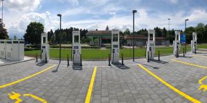 ionity-hpc-ladestation-charging-station-schweiz-switzerland