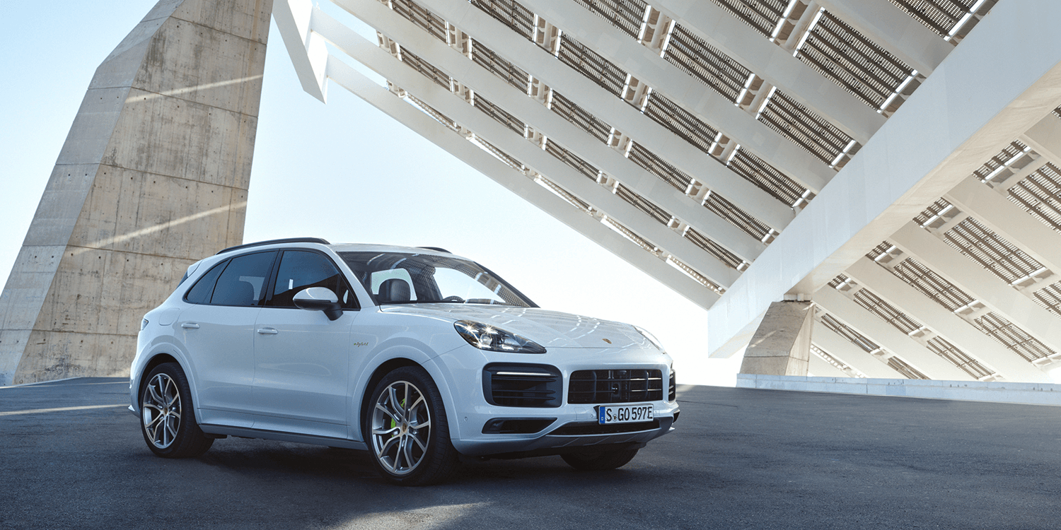new porsche cayenne phev with stronger electric drive. Black Bedroom Furniture Sets. Home Design Ideas