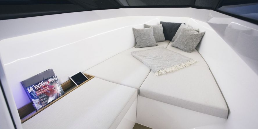 q-yachts-q30-04