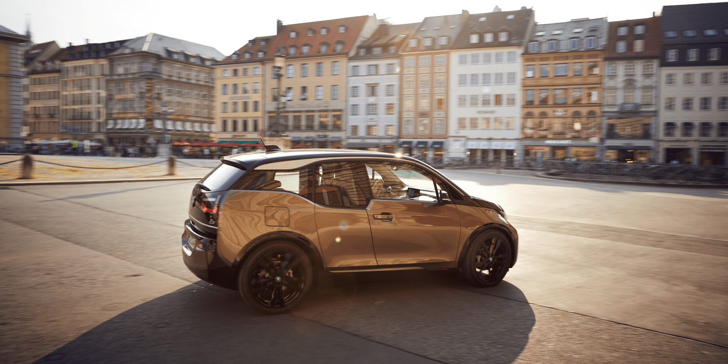BMW i3 Boasts Bigger Battery, More Range