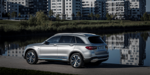 mercedes-benz-glc-f-cell-2018-01-min