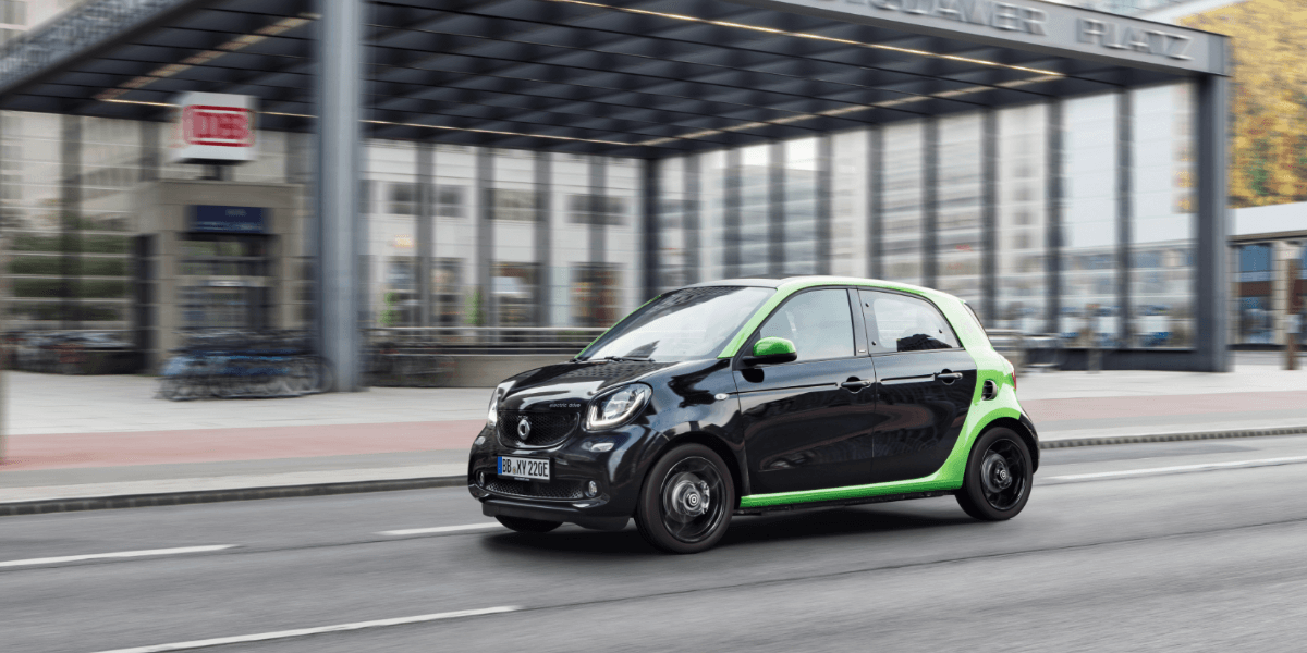 Daimler considers selling 50% of Smart to Geely - electrive com