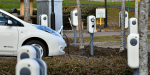 arval-charging-stations-ladestationen-newmotion-uk-grossbritannien