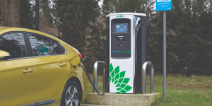 bp-chargemaster-charging-station-ladestation-uk