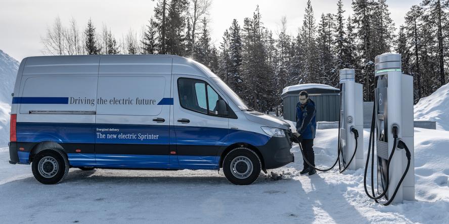 mercedes-benz-esprinter-schweden-sweden-2019-06-chargepoint-min