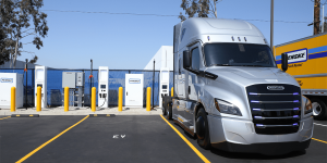 penske-truck-leasing-charging-station-usa-min