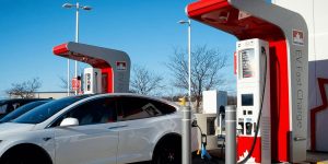 petro-canada-charging-station-ladestation