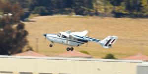 ampaire-337-hybrid-e-flugzeug-hybrid-electric-aircraft-04-min