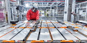 audi-e-tron-quattro-produktion-production-batterie-battery-min