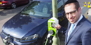 barnet-council-london-laternen-ladestation-charging-station