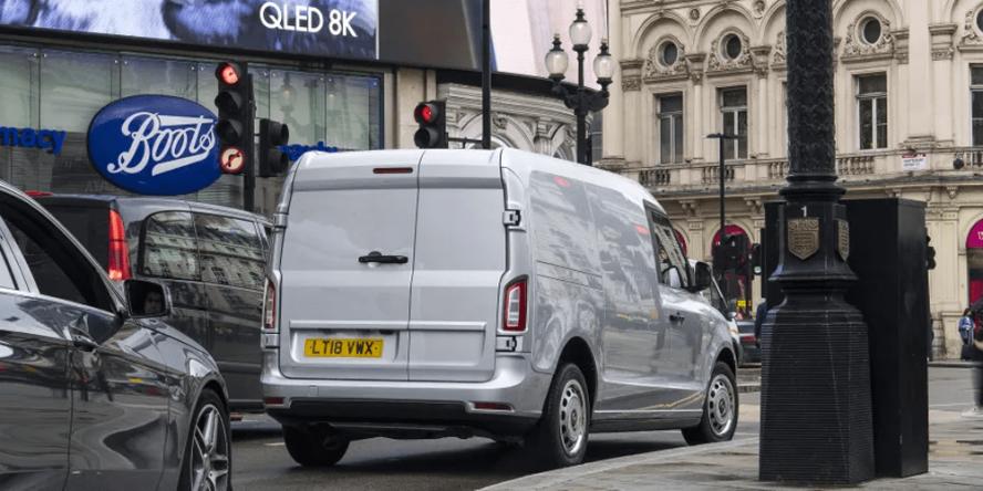 levc-lcv-electric-transporter-e-transporter-uk-london-01-min