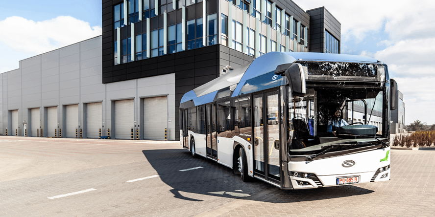 solaris-urbino-12-hydrogen-fuel-cell-bus-brennstoffzellen-bus-2019-03-min