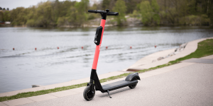 voi-technology-e-tretroller-electric-kick-scooter-min