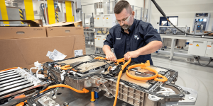 bmw-x5-xdrive45e-batterie-produktion-battery-production-spartanburg-2019-03-min