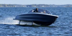 candela-speed-boat-tragfluegelboot-hydrofoiling-boat-min
