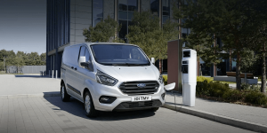 ford-transit-phev-uk-2019-03