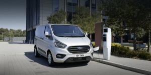 ford-transit-phev-uk-2019-03