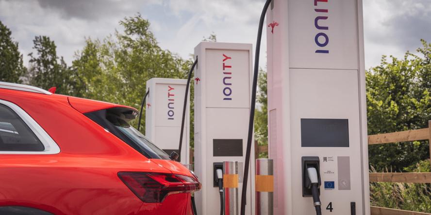 ionity-ladestation-charging-station-uk-03-min