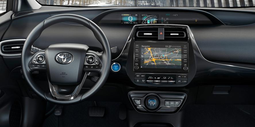 toyota-prius-plug-in-hybrid-2019-01-min