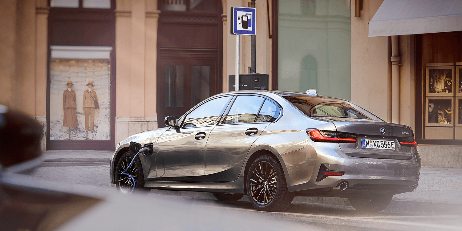 Bmw Presents 330e Hybrid With Increased Performance Electrive Com