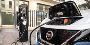 nissan-leaf-ladestation-charging-station-sourcelondon-uk-2019-01-min