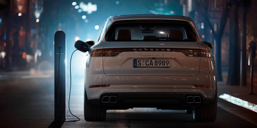 porsche-cayenne-turbo-s-e-hybrid-2019-07-min