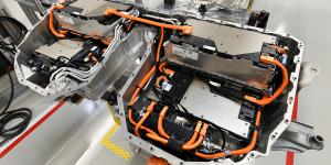 bmw-draexlmaier-batterieproduktion-battery-production-thailand-2019-01-min