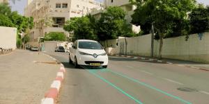 electreon-wireless-renault-zoe-induktives-laden-inductive-charging-2019-min
