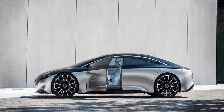 Mercedes EQS Is Here To Show Tesla What Electric Luxury Sedans Should Be Like (Live Images)