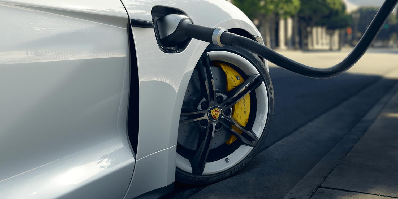 Porsche Teams Up With Electrify Canada Electrive Com