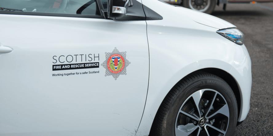 scottish-fire-and-rescue-service-renault-zoe-feuerwehr-fire-brigade-schottland-scotland-2019-02-min