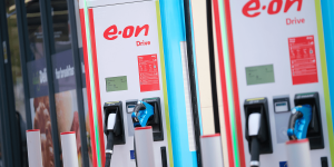 eon-ladestation-charging-station-hpc-uk-birmingham-2019-02-min