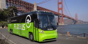 motor-coach-industries-mci-d45-crte-le-charge-flixbus-san-francisco-usa-2019.01-min
