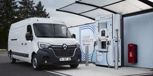 renault-master-ze-hydrogen-fceev-wasserstoff-brennstoffzelle-fuel-cell-air-liquide-h2-tankstelle-hydrogen-fuelling-station-2019-01-min